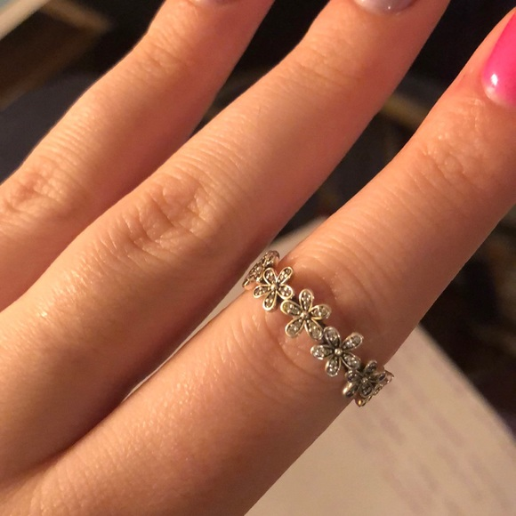 37ef32fd0 ... discount code for dazzling daisy pandora ring 4fed5 27005